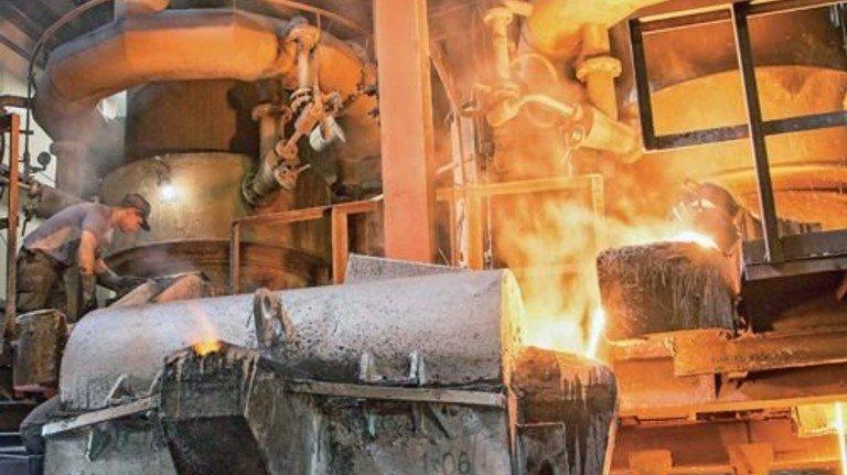 1500 Grad Celsius: Die Schmelzöfen der Lüneburger Eisenwerk GmbH. Foto: Junker