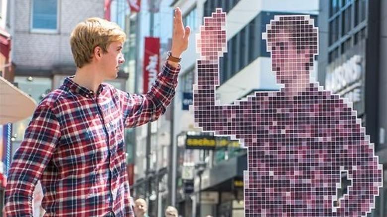 Zwillinge aus Bits und Bytes: Digitale Technik ist fester Bestandteil unseres Lebens, Teil unserer Identität. Es ist Zeit, dass die beiden sich anfreunden. Foto: Roth