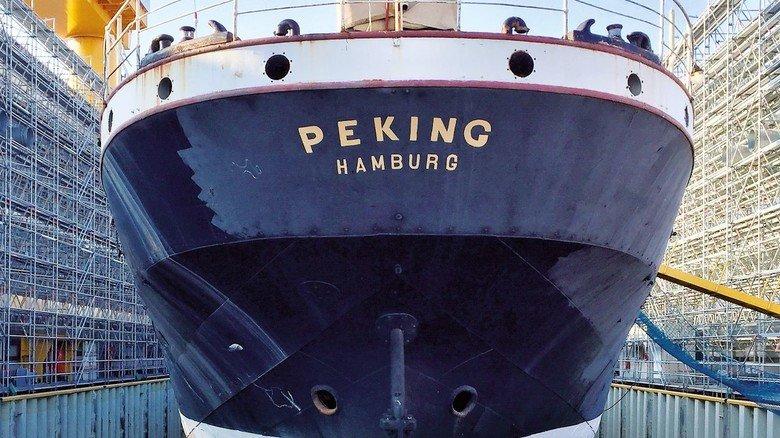 """Im Trockendock: Ein Bild aus dem aktuellen """"Peking""""-Kalender der Stiftung Hamburg Maritim, der über  die Website der Einrichtung bestellt werden kann."""