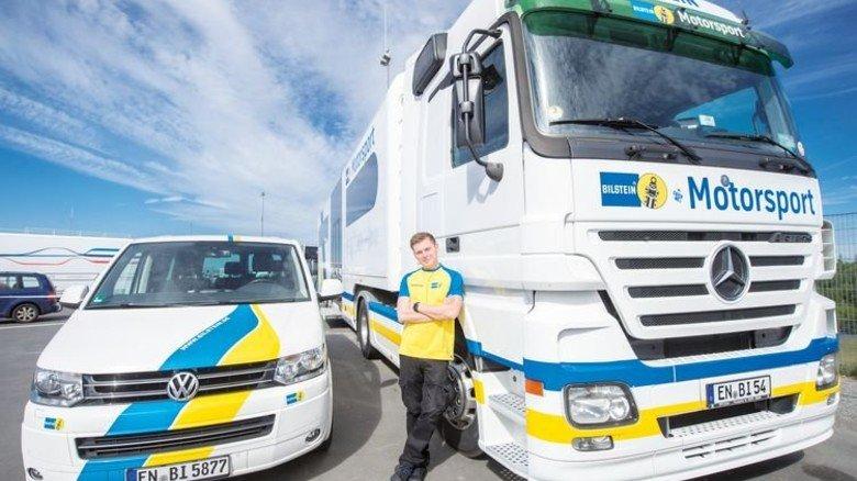 Voll ausgestattet: Der weiße Truck ist eine rollende Werkstatt. Foto: Straßmeier
