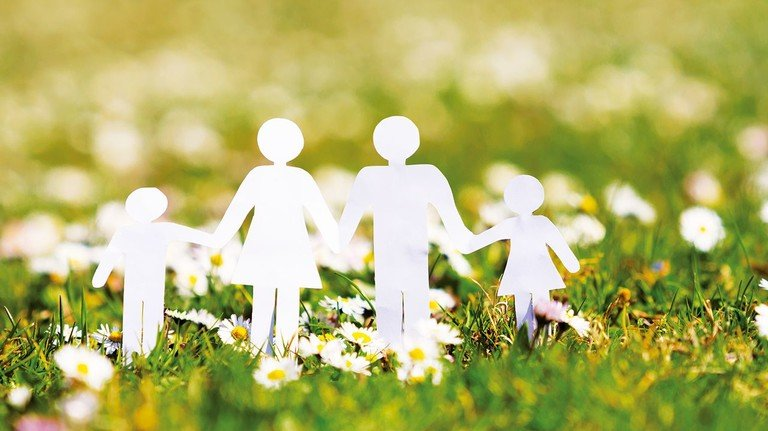 Zusammenhalt: Ein gutes Verhältnis von Alt und Jung ist zentral für eine soziale Gesellschaft.