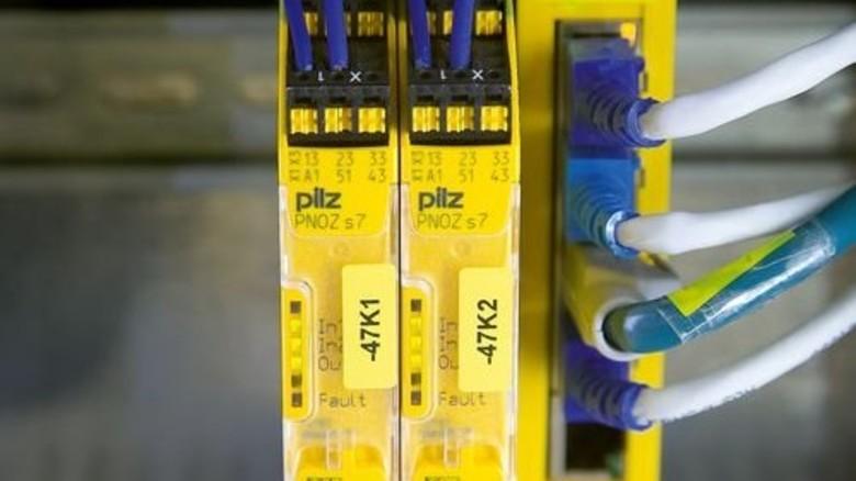 """Steckt fast überall drin: In Maschinen oder Skiliften sorgt das """"PNOZ"""" für Sicherheit. Foto: Mierendorf"""