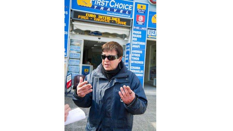 Wütend: Pavlos Martakes schimpft auf die Reichen. Foto: Roth