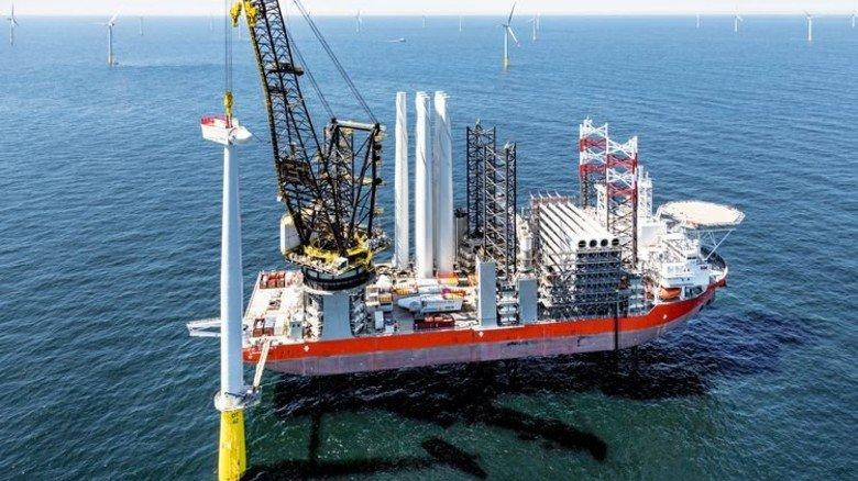 Maßarbeit: An nur einem Tag wird eine Offshore-Anlage montiert. Foto: Vattenfall