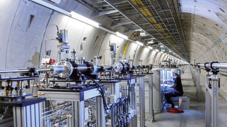 Unter der Erde: Ein Blick in das Tunnelsystem, das EuXFEL und DESY verbindet. Foto: Augustin