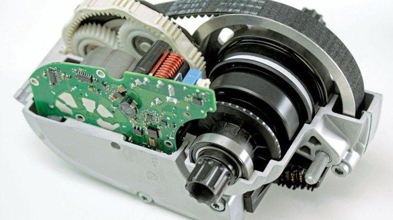 Kompakt: Der Motor wiegt nur 3,4 Kilo. Foto: Sturm
