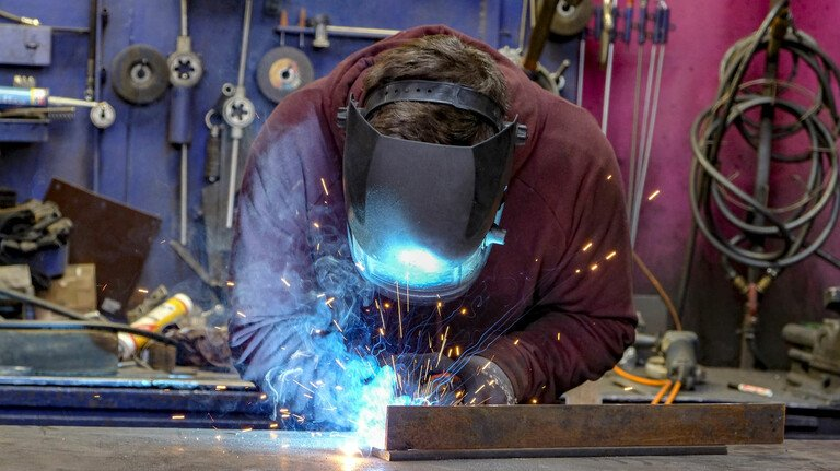 Gut durch den Lockdown gekommen: In der Industrie blieben trotz Corona-Krise die meisten Arbeitsplätze erhalten.