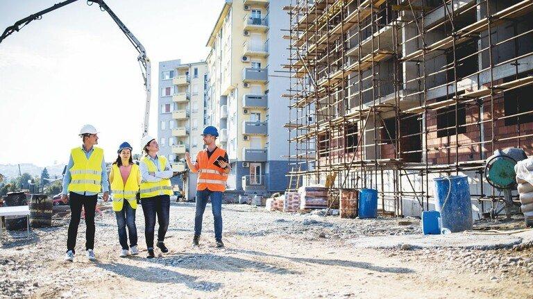 Baustellenbesichtigung: Die Nachfrage nach Wohnungen ist vielerorts riesig.