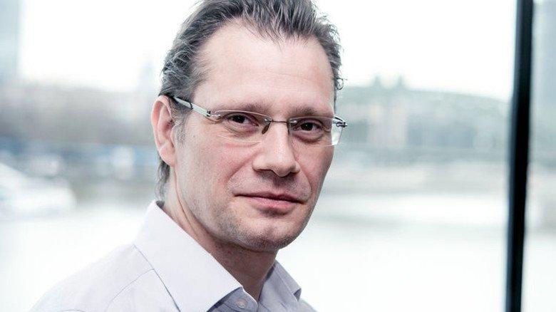 """""""Die Politik sollte vom Arbeitsmarkt einfach mal die Finger lassen."""" Volkswirt Holger Schäfer, IW Köln. Foto: IW"""