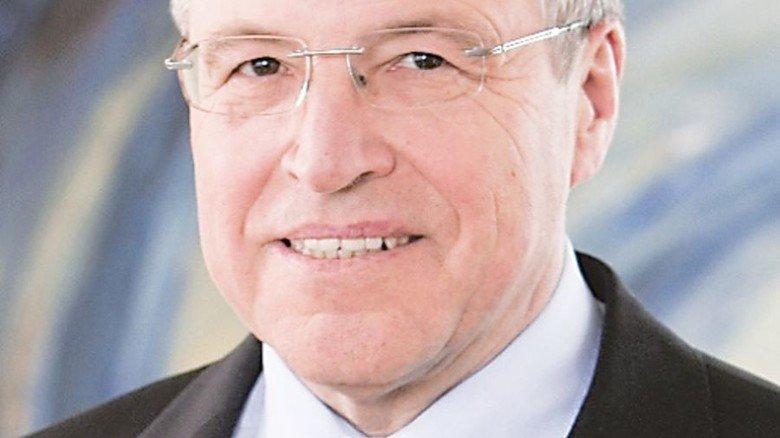 """Alfred Gaffal, Präsident der Vereinigung der Bayerischen Wirtschaft, betont: """"Man kann zu Recht sagen: Wenn die Auto-Industrie hustet, ist Bayern krank."""" Foto: Verband"""