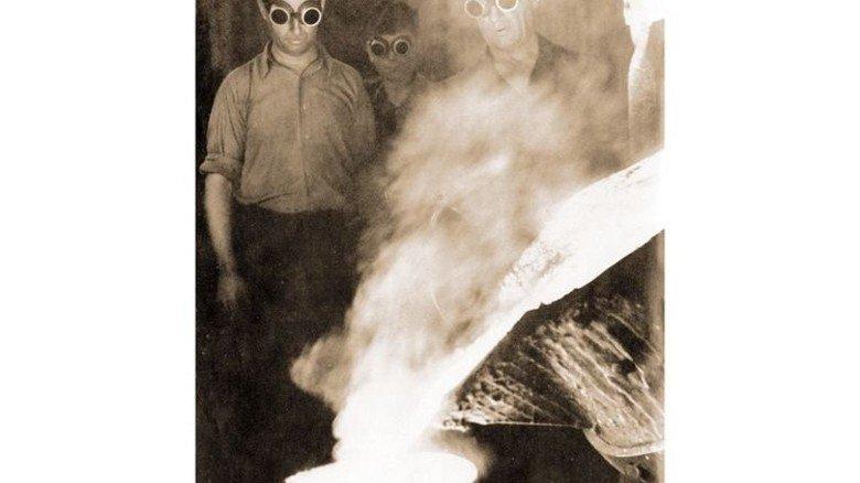 Zeitreise: Gießereibetrieb vor rund 100 Jahren ... Foto: Vacuumschmelze
