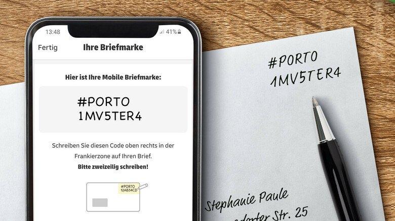 Digitaler Portocode: Der Zahlencode wird durch die App erstellt und dann handschriftlich auf dem Brief vermerkt.