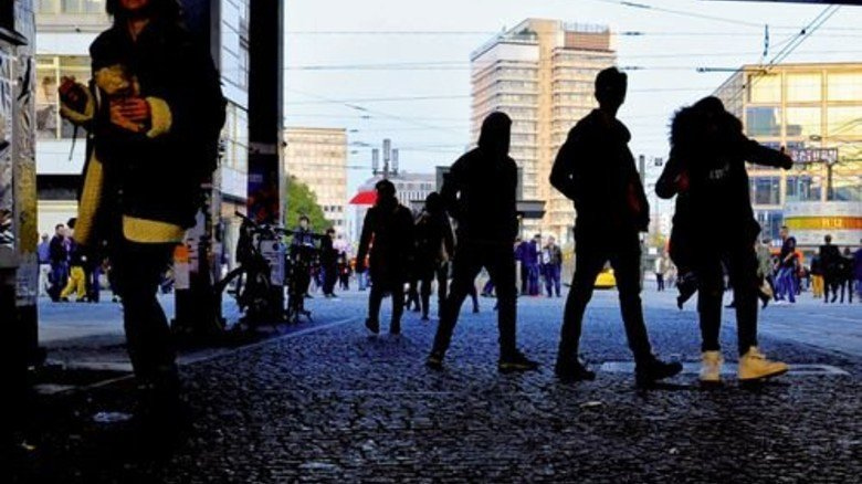 Hier geht keiner gerne lang: Zwielicht in der Nähe des Berliner Alexanderplatzes. Foto: dpa