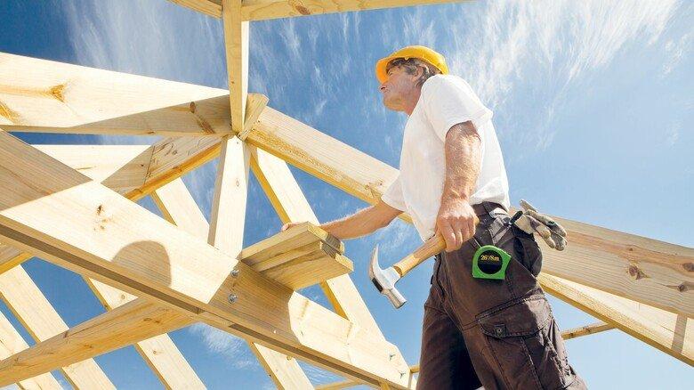 Haus-Neubau: Wird wegen Holzmangels nun häufig verschoben.