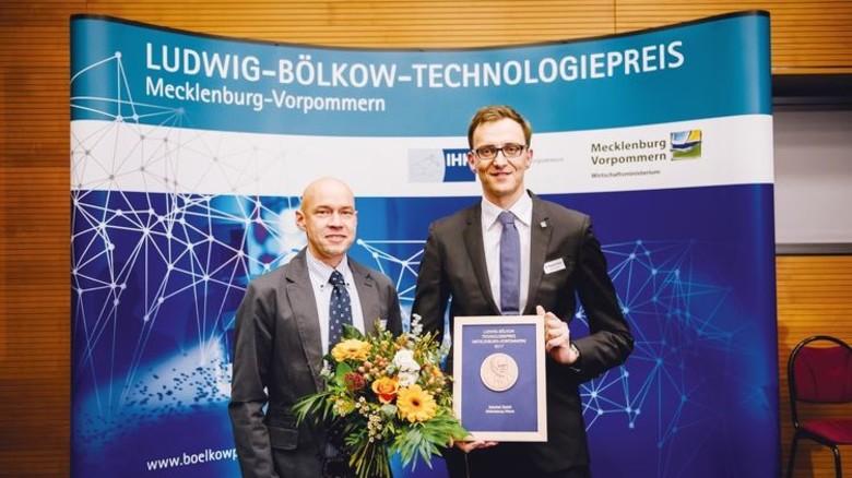 Rene Massenthe (links) und Dr. Michael Potts von der SCHOTTEL GmbH. Foto: Mathias Rövensthal