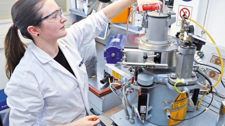 Im Bonding-Raum: Hier entstehen Produkte im kleinen Maßstab. Foto: Sigwart