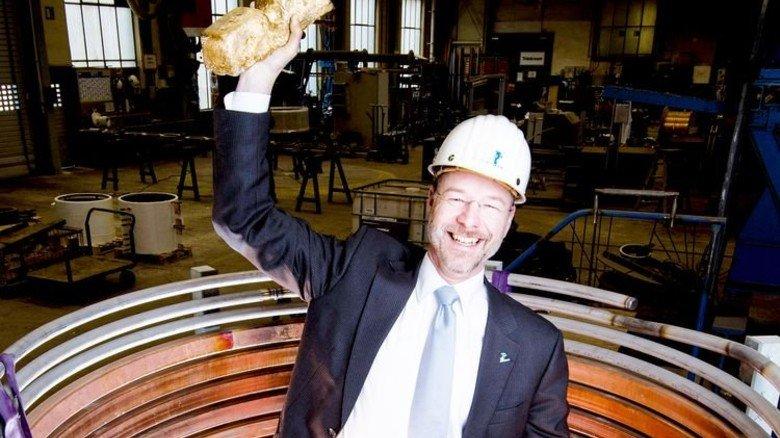 Geschäftsführer Markus Werner: Er hat auch Anlagen im Angebot, die Barren erhitzen. Foto: Moll