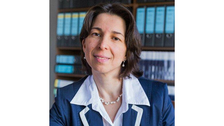 """""""Werden Kinder enterbt, steht ihnen ein Pflichtteil zu"""", sagt Gabriela Hack, Fachanwältin für Erbrecht in der Kanzlei Rudolf & Kollegen."""
