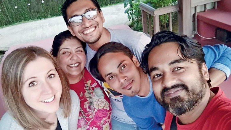 Teamarbeit: Sekulic und ihre Mannschaft in Bangladesch (derzeit halten sie online Kontakt).