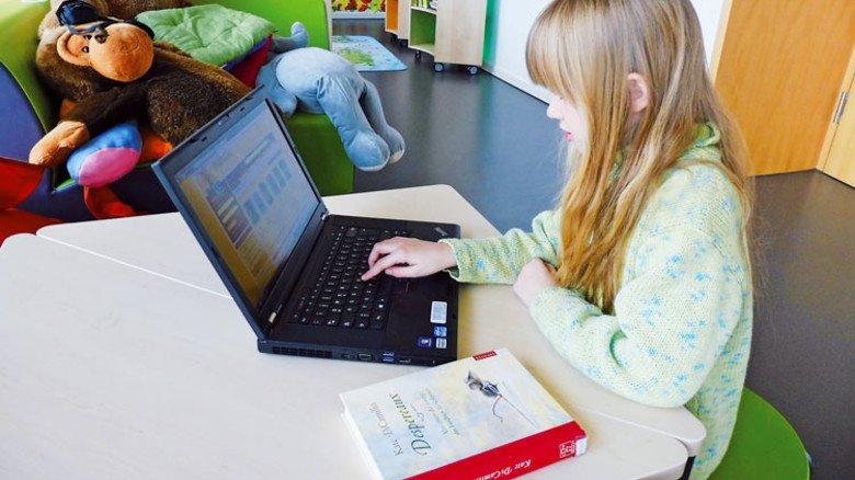 Moderne Methoden: Lernen mit dem Laptop an der Grundschule Malesfelsen. Foto: Werk
