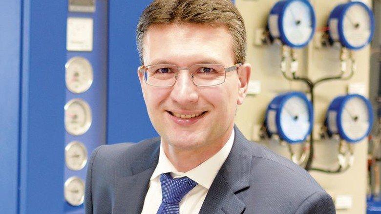 """""""Wir sorgen für sichere Energieversorgung."""" Uwe Himmelstoß, Geschäftsführer. Foto: Scheffler"""