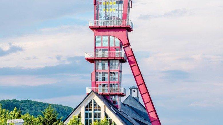 Berbau-Idyll mit Potenzial: Nah beim alten Förderturm des stillgelegten Bergwerks Altenberg soll die Einfahrt zur neuen Mine entstehen. Foto: Roth