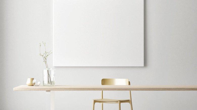 Wenig bis gar nichts: So sieht ein minimalistisch gehaltener Schreibtisch aus.
