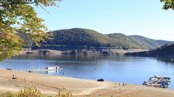 Reizvolle Landschaft: Ruhige und sanfte Hügel. Foto: dpa