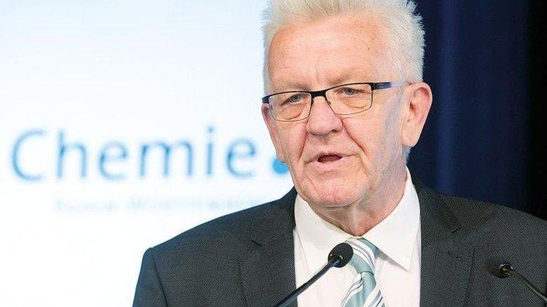 Sicht des Lehrers: Der prominente Politiker hat einen persönlichen Bezug zur Chemie. Foto: CHEMIEBW