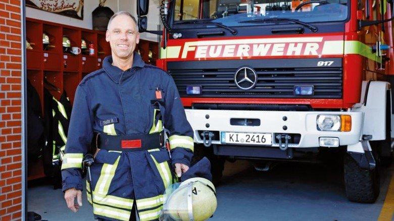 Einsatz nach Feierabend: Der Schleswig-Holsteiner trat Anfang 1980 mit 16 Jahren in die freiwillige Feuerwehr ein und ist bis heute dabei. Foto: Mischke