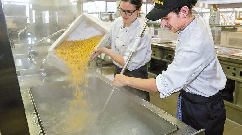 Täglich frisch: das Küchenteam sorgt für Abwechslung. Foto: Mierendorf