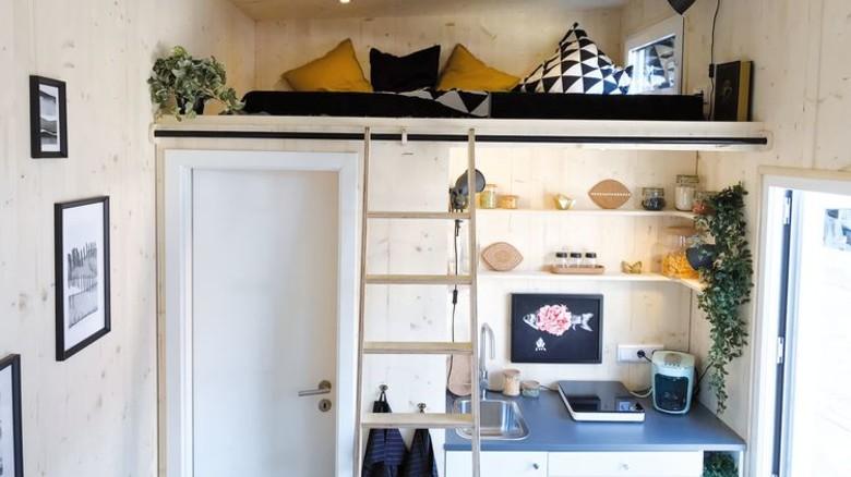 Kleiner Wohntraum: Innen fehlt es an Platz – aber nicht an Gemütlichkeit. Foto: Diekmann