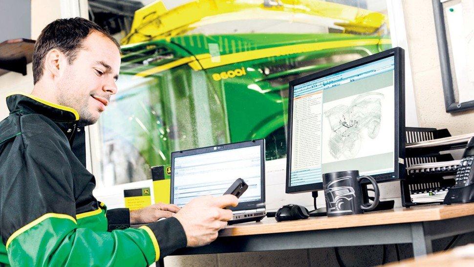 Fernunterstützung: Landmaschinen von John Deere können vom Kundendienst häufig aus der Ferne wieder flottgemacht werden.