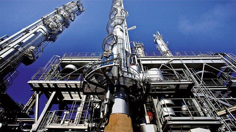 Riesenanlage: So ein Steamcracker produziert Grundchemikalien. In Zukunft will die BASF ihn mit Ökostrom statt mit Erdgas beheizen.