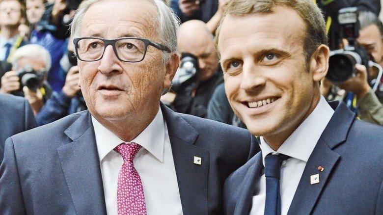Wegweiser: Jean-Claude Juncker (links) und Emmanuel Macron. Foto: dpa
