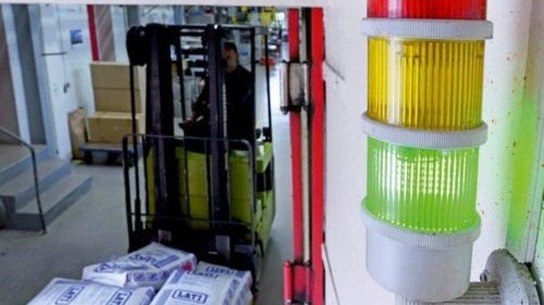 Erhöht die Aufmerksamkeit: Energieampel informiert alle Mitarbeiter. Foto: Sturm
