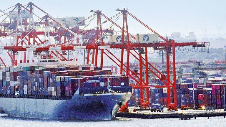 Umschlagplatz auch für den Handel mit der EU: Der Containerhafen in Tokio.