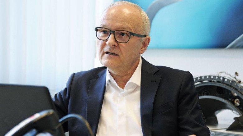 """""""Wir arbeiten auch an ganz neuen Triebwerk-Ideen"""": Peter Wehle, Entwicklungsleiter im Rolls-Royce-Werk Dahlewitz."""