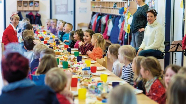 Große Party: Der 5. Geburtstag der Kita wurde, wie sich das gehört, mit allen Kindern gefeiert. Foto: Michael Wessels
