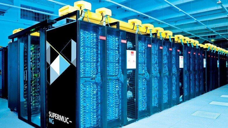 "Powerpack: Der Garchinger Supercomputer ""SuperMuc-NG"". schafft 27 Billiarden Rechenschritte pro Sekunde."
