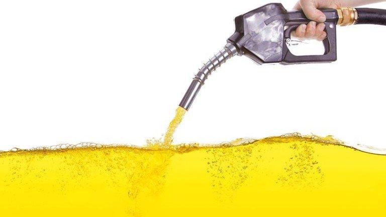 Wundertreibstoff: Gewonnen wird er aus Wasser, Klimagas und Ökostrom. Foto: Fotolia