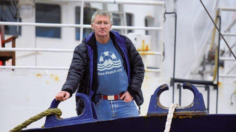 """Der Skipper: Ingo Werth (56) ist der Kapitän der """"Sea-Watch 2"""". Foto: Augustin"""