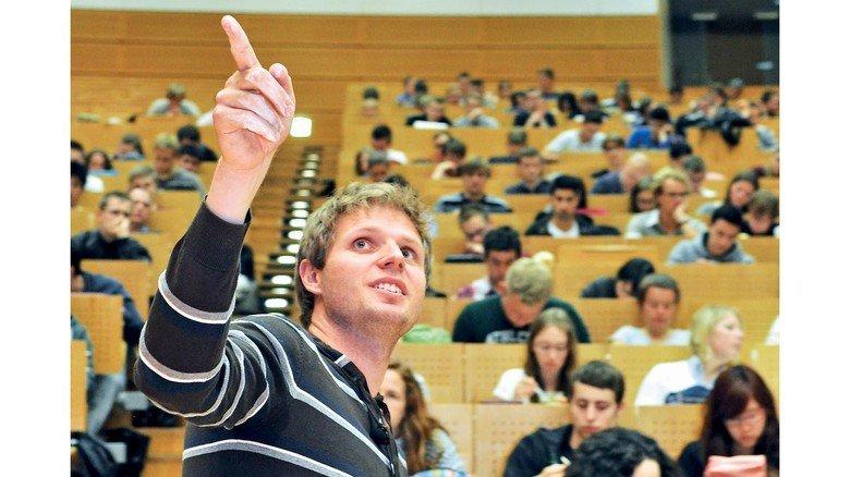 Große Nachfrage: Praxisnahe Studiengänge werden immer beliebter.