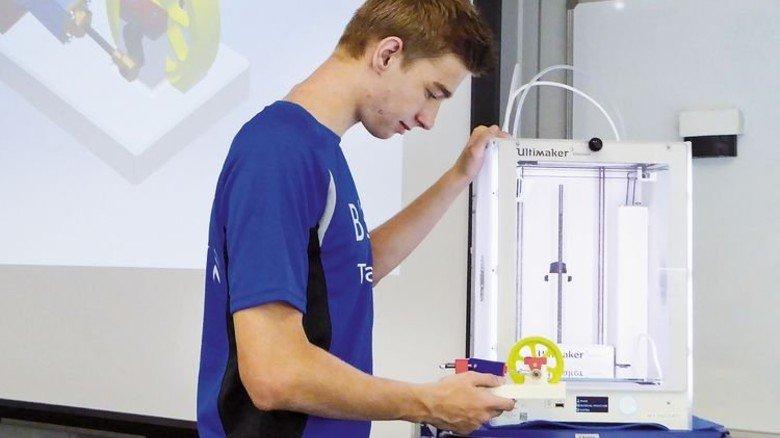 Gut geschult: BSH Hausgeräte macht Industriemechaniker in der Lehrwerkstatt fit für die Zukunft. Foto: Werk