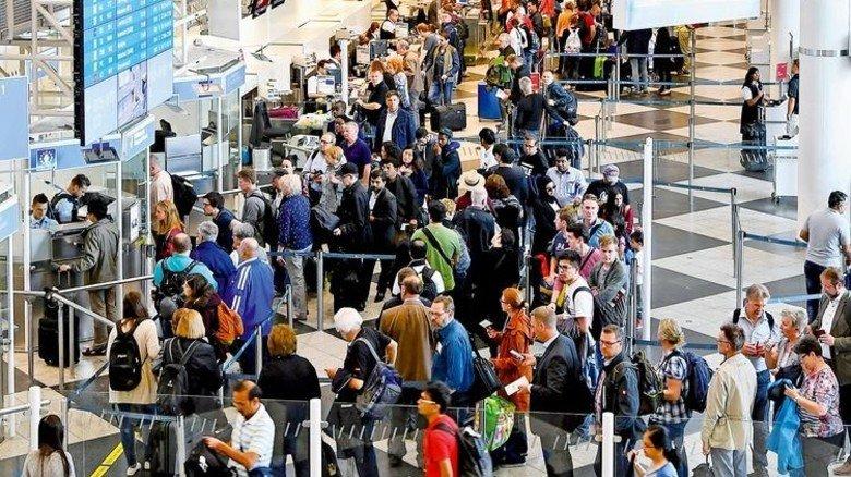Immer mehr Passagiere: Sicherheitskontrolle in München. Foto: Mauritius