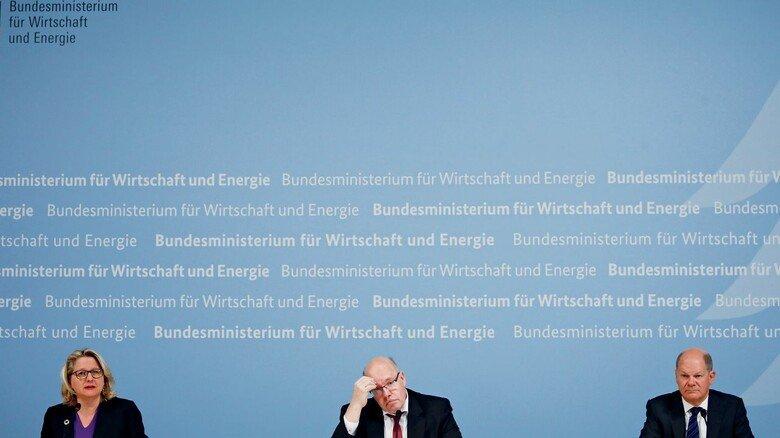 Mussten beim Klimaschutz nachbessern: Svenja Schulze (Bundesumweltministerin), Peter Altmaier (Bundeswirtschaftsminister) und Olaf Scholz (Bundesfinanzminister) (v.l.n.r).