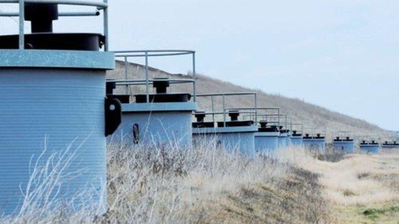 Kanalisiert: Auch über Schächte wird Sickerwasser abgeleitet. Foto: Sturm