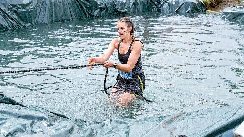 Nichts für zarte Gemüter: Tammert im eiskalten Wasser. In diesem Jahr war das Wetter bei der Veranstaltung ziemlich ungemütlich, die Temperaturen lagen nur leicht über null Grad.
