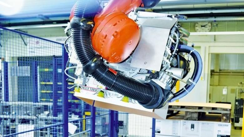 Maschinen irren nicht: Im Versand von Stiebel Eltron läuft heute alles digital. Foto: Werk