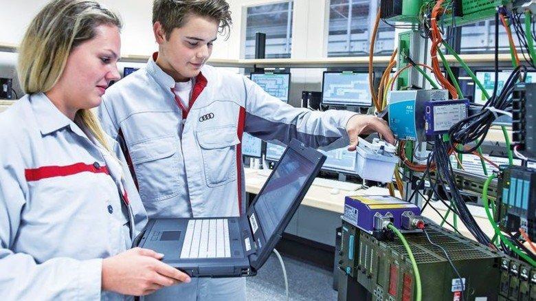 Digitales Lernen: Beim Automobilhersteller Audi gehören Computer und Tablet selbstverständlich dazu. Foto: Werk